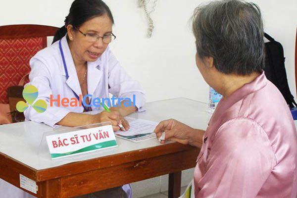 Bác sĩ tư vấn sử dụng thuốc Dimagel