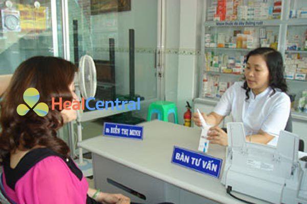 Dược sĩ tư vấn sử dụng thuốc Omeprazole