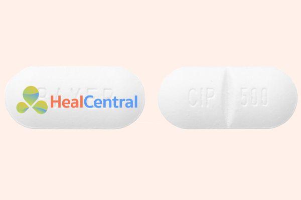 Viên thuốc Ciprobay 500mg có khe ở giữa để dễ chia liều
