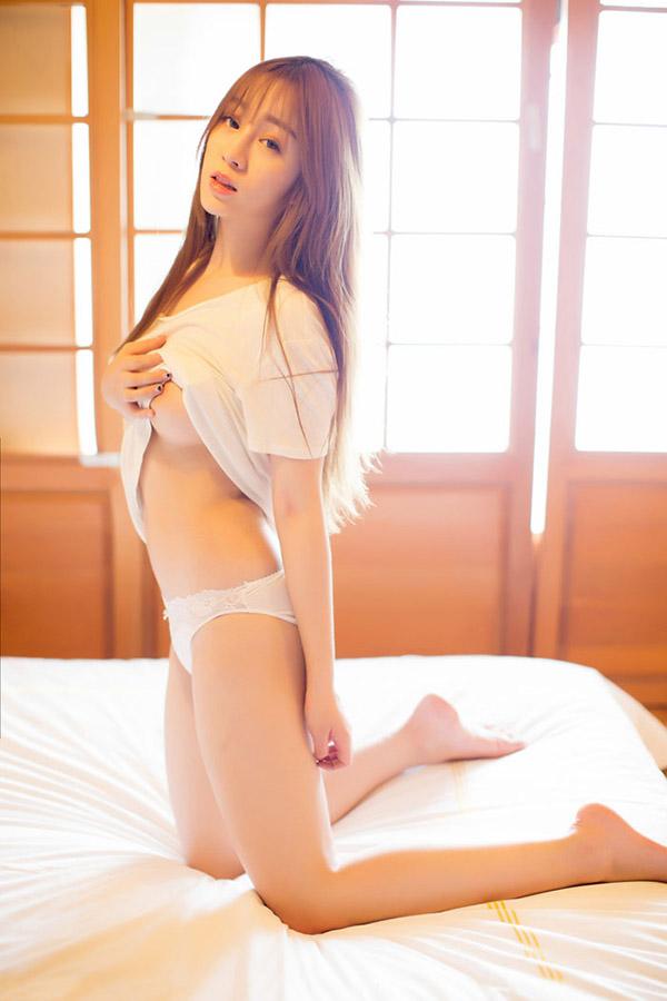 Gái xinh ngực bự 4
