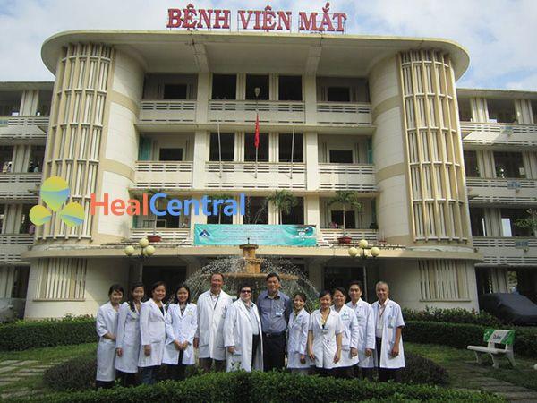 Các bác sĩ nổi tiếng của bệnh viên mắt Điện Biên Phủ