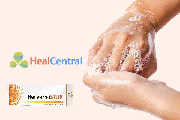 Rửa tay trước khi bôi thuốc Hemorrhostop