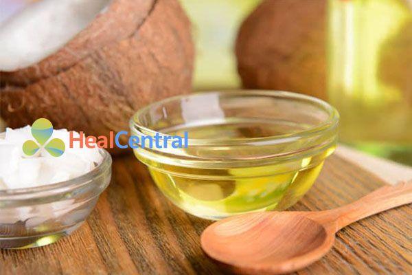 Sử dụng dầu dừa thường xuyên để cân bằng độ ẩm âm đạo