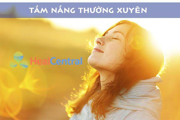 Tắm nắng giúp cơ thể bổ sung vitamin D