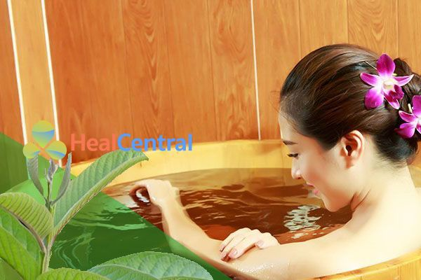 Tắm nước lá ổi giúp ngăn ngừa viêm nhiễm phụ khoa