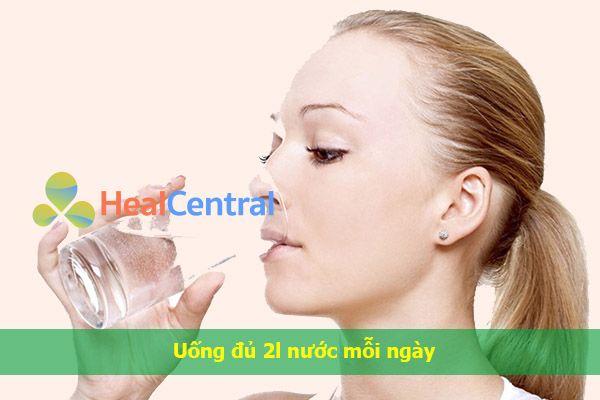 Uống đủ nước để tối ưu hiệu quả của thuốc Tomoko