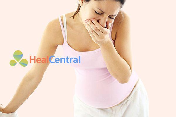 Khi hư nhiều kèm với buồn nôn là dấu hiệu điển hình của mang thai