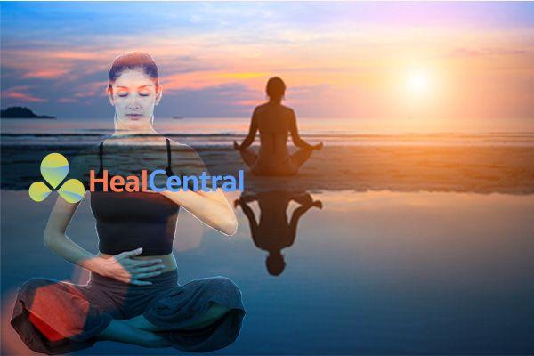 Tư thế một mình để chuẩn bị cho bài Massage Yoni đạt hiệu quả cao nhất