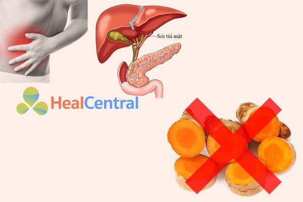 Người bị sỏi mật và tắc nghẽn đường mật sử dụng tinh bột nghệ có thể làm gia tăng các cơn đau bụng dữ dội