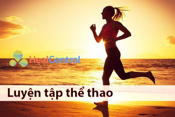 Luyện tập thể dục thể thao giúp hỗ trợ phòng ngừa bệnh giãn tĩnh mạch