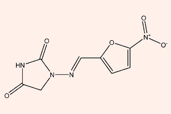 Cấu trúc hóa học của Nitrofurantoin