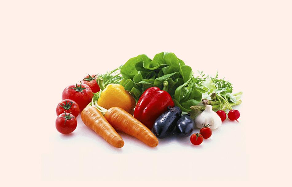 Các loại rau lá xanh và trái cây rất tốt cho người bị đau khớp gối