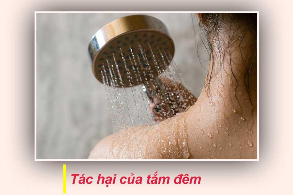 Những tác hại của tắm đêm