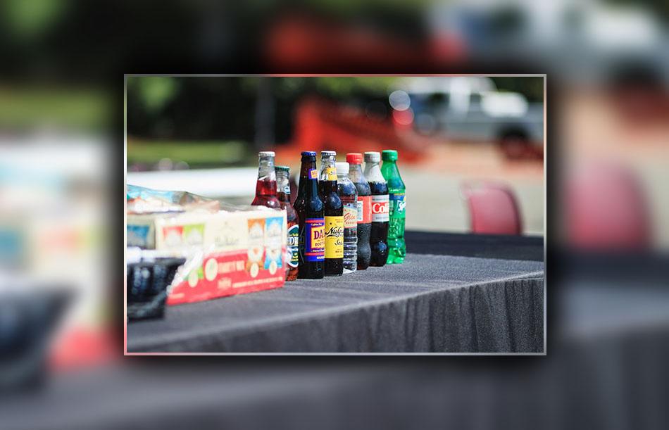 Đồ uống có ga là một trong những nguyên nhân gây đau dạ dày