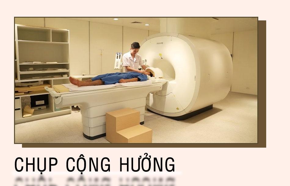 Chụp cộng hưởng từ để xác định vị trí vùng não bị tổn thương