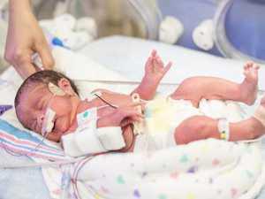 Nhiều trẻ nhũ nhi và trẻ em có thể sử dụng các nỗ lực hô hấp gia tăng (ví dụ như thở rên, co lõm ngực) để duy trì sự oxy hóa và thải CO2 tương đối bình thường.