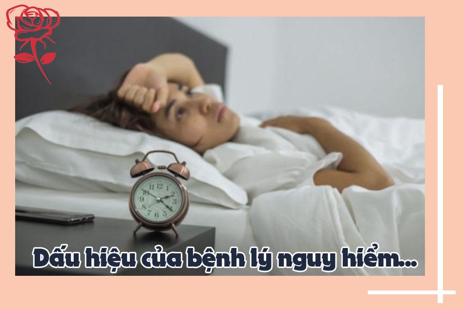 Ngủ không sâu giấc là dấu hiệu của bệnh gì?